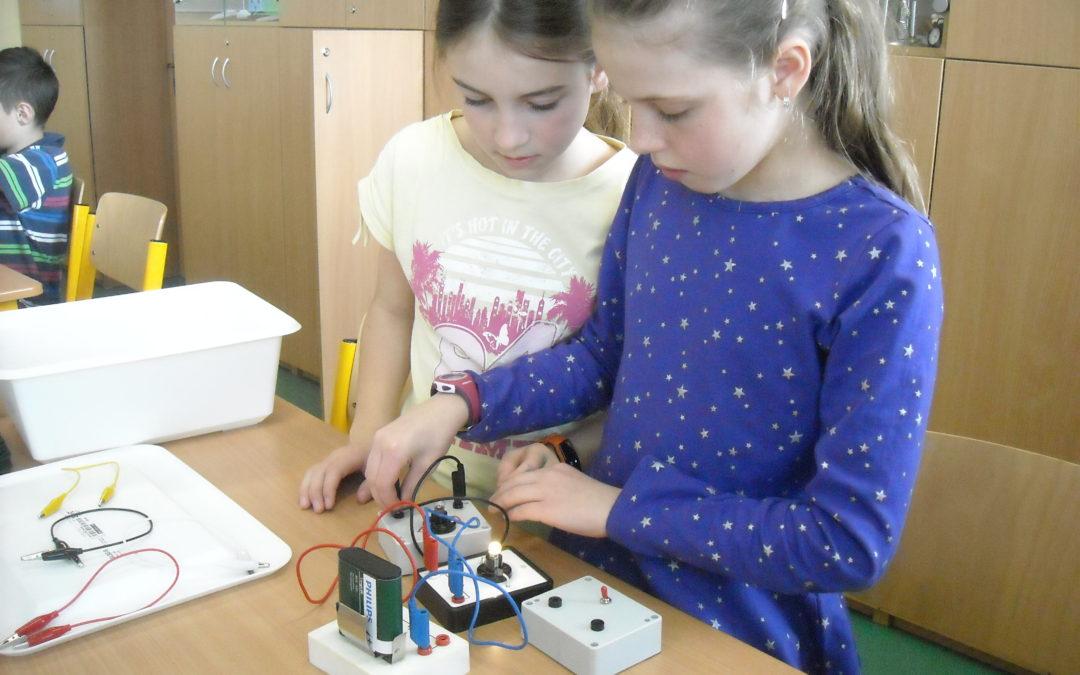 4. B Elektrické obvody